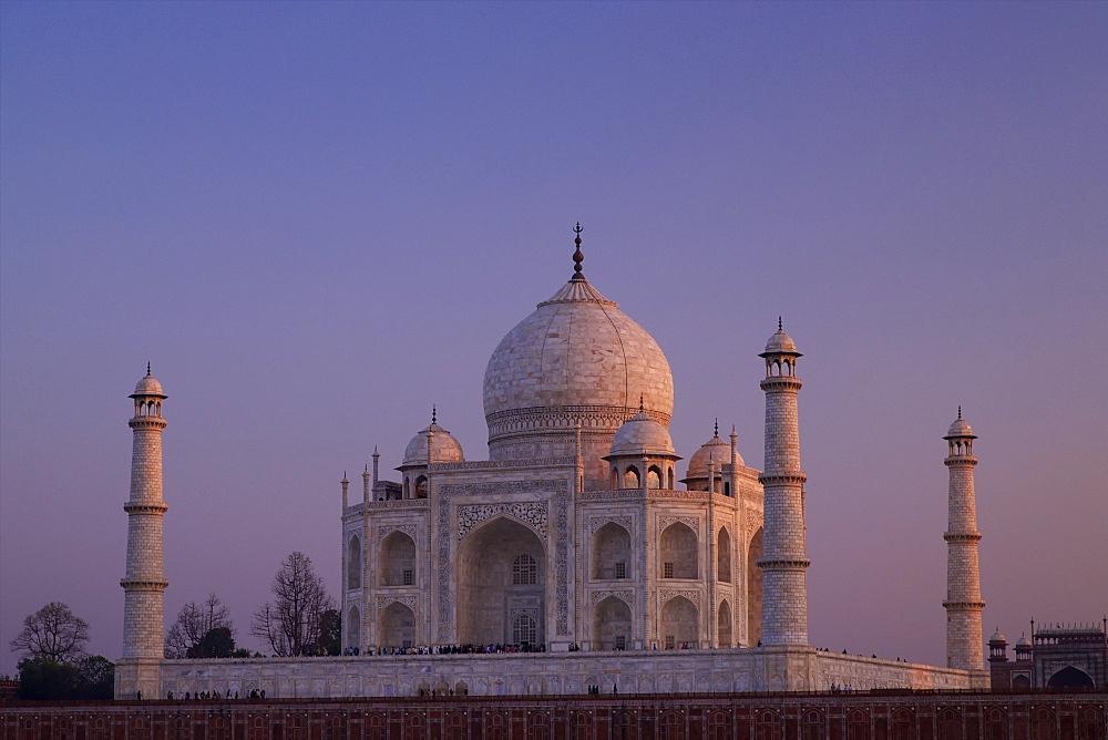Taj Mahal north side viewed across Yamuna River at sunset, UNESCO World Heritage Site, Agra, Uttar Pradesh, India, Asia
