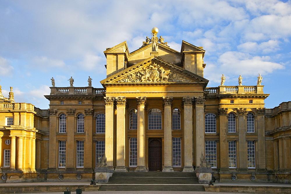 Main entrance, Blenheim Palace, UNESCO World Heritage Site, Woodstock, Oxfordshire, England, United Kingdom, Europe