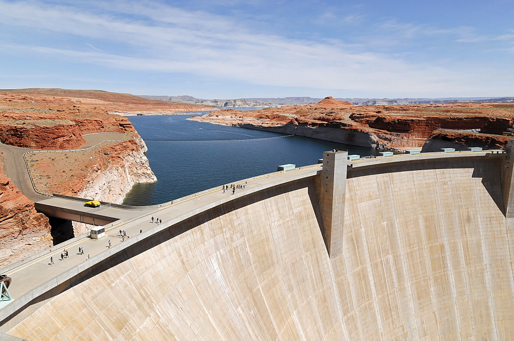 Glen Canyon Dam, Lake Powell reservoir, Arizona, USA
