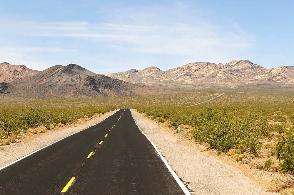 State Highway 178 in Death Valley, Death Valley National Park, California, USA, North America
