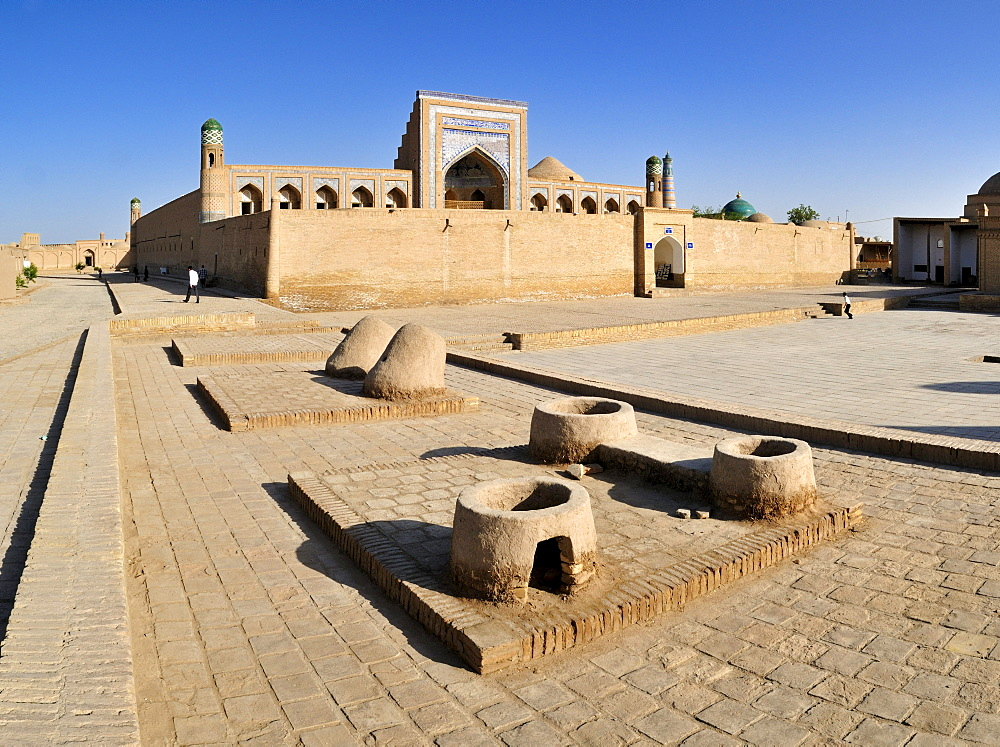 Muhammad Rakhim Chan Madrassah, Ichan Kala, historic adobe town of Khiva, Chiva, Silk Road, Unesco World Heritage Site, Uzbekistan, Central Asia