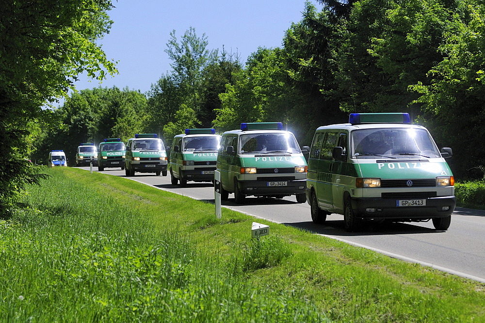 Maria Boegerl kidnapping case, location where a body was found in a forest, police vehicles, near Niesitz, Heidenheim district, Baden-Wuerttemberg, Germany, Europe