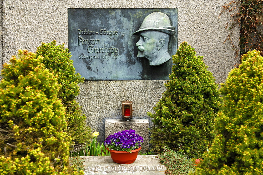 Grave site of the Erzgebirge poet and singer Anton Guenther, Gottesgab, Bozi Dar, Czech Republic, Europe
