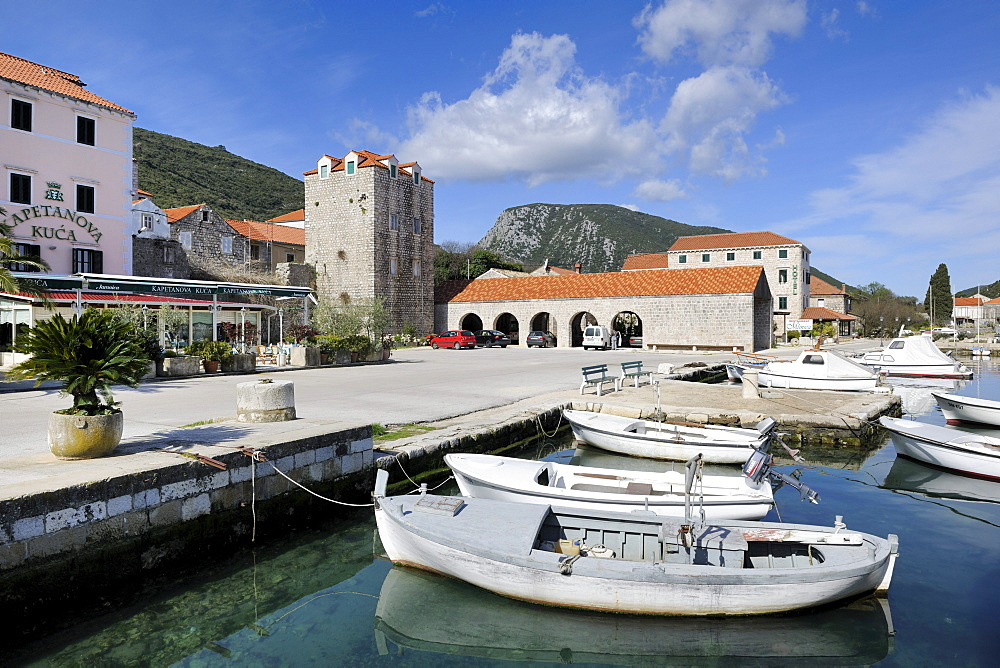 Small port of Mali Ston, Peljesac peninsula, Croatia, Europe