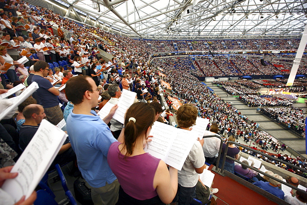 !Sing-Day of Song, concert as the finale with over 65, 000 people as part of the Capital of Culture Ruhr2010, Veltins Arena AufSchalke, Gelsenkirchen, North Rhine-Westphalia, Germany, Europe