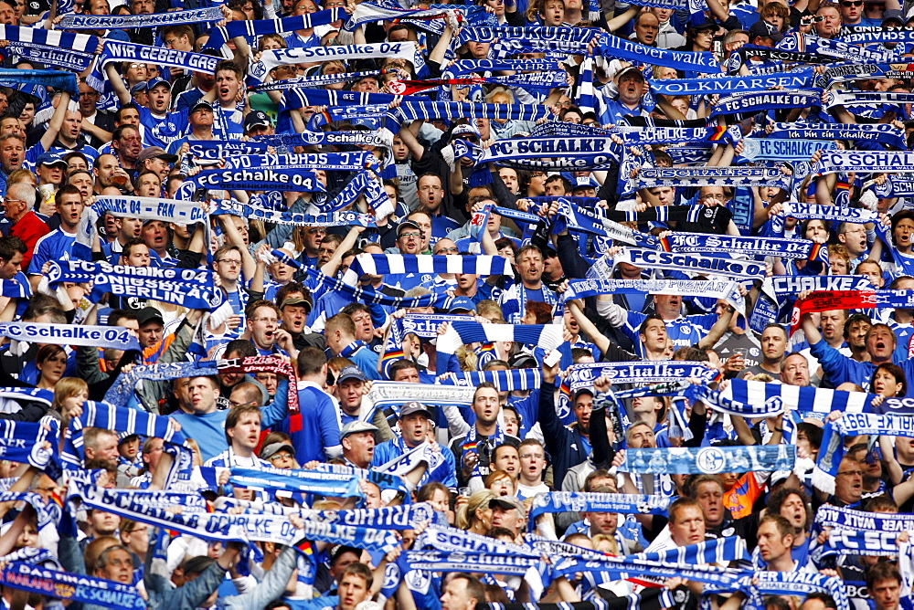 Last home match of the season of FC Schalke 04 against Werder Bremen 0:2, Veltins Arena, formerly Arena AufSchalke, home stadium of FC Schalke 04, Gelsenkirchen, North Rhine-Westphalia, Germany, Europe