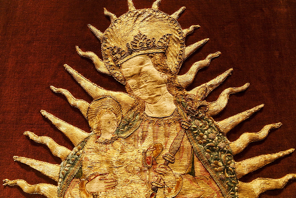 Virgin and child in a halo, elaborate embroidery on a medieval chasuble, historical liturgical garment, Stiftsmuseum Museum Xanten monastery museum, Xanten, Niederrhein region, North Rhine-Westphalia, Germany, Europe