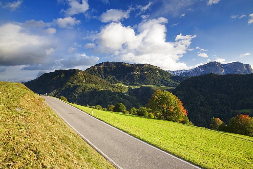 Road above the Gardena Valley near Lajen, Dolomites, Trentino-Alto Adige, Italy, Europe