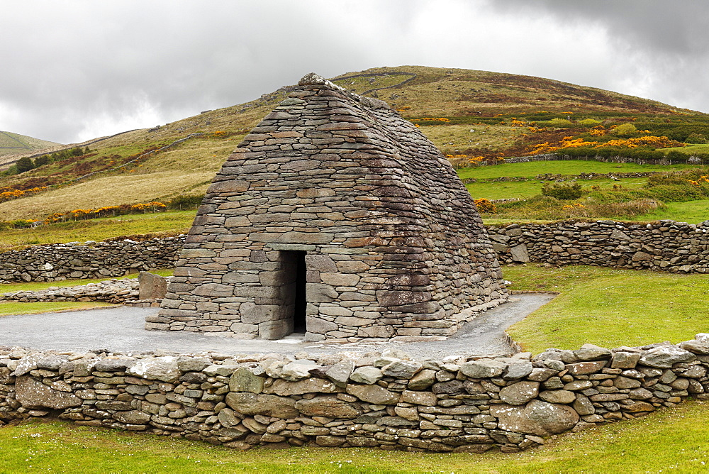 Early Christian church, corbelled vault, Gallarus Oratory, Dingle Peninsula, County Kerry, Ireland, British Isles, Europe