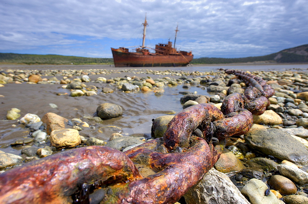 Anchor chain with a shipwreck, Ushuaia, Tierra del Fuego, Patagonia, Argentina, South America