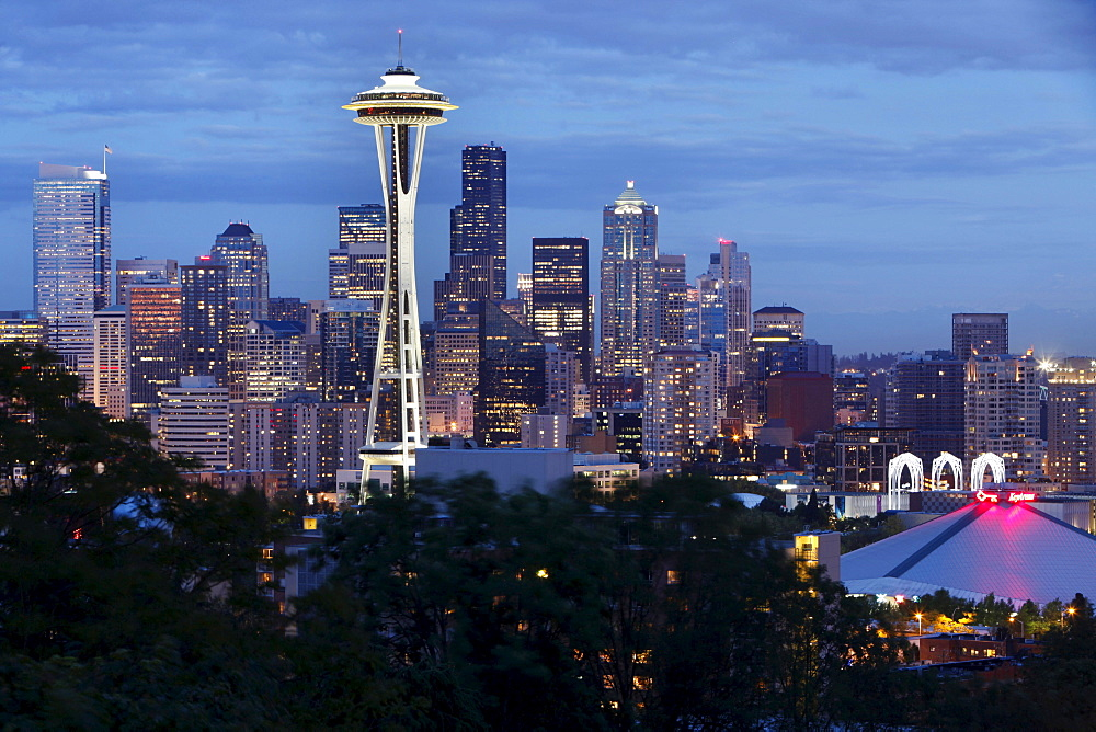 Cityscape with Space Needle seen from Kerry Park, Seattle, Wasington, USA