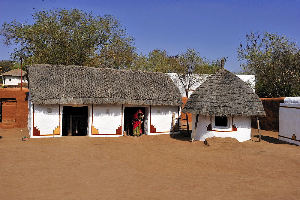 Traditional house with thatched roof, Shilpgram near Udaipur, Thar Desert, Rajasthan, India, Asia