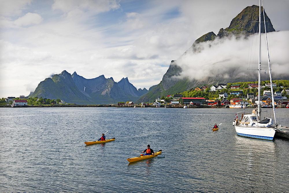 Kayakers, Reine, Lofoten, Norway, Scandinavia, Europe
