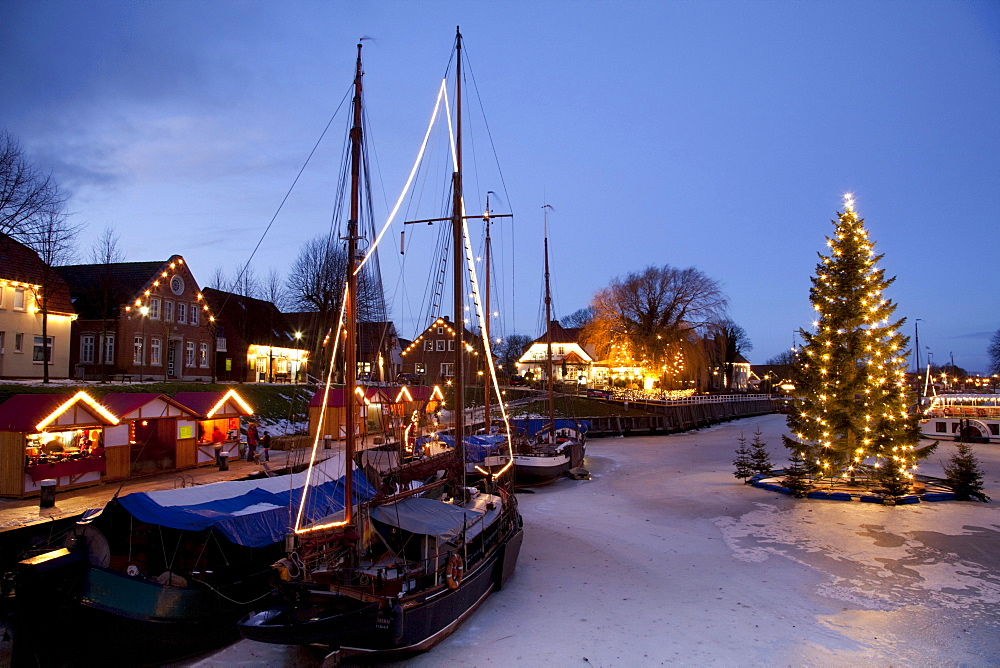 Museumshafen, museum harbour, with Christmas lights, North Sea resort of Carolinensiel, Wittmund region, North Sea, East Frisia, Lower Saxony, Germany, Europe