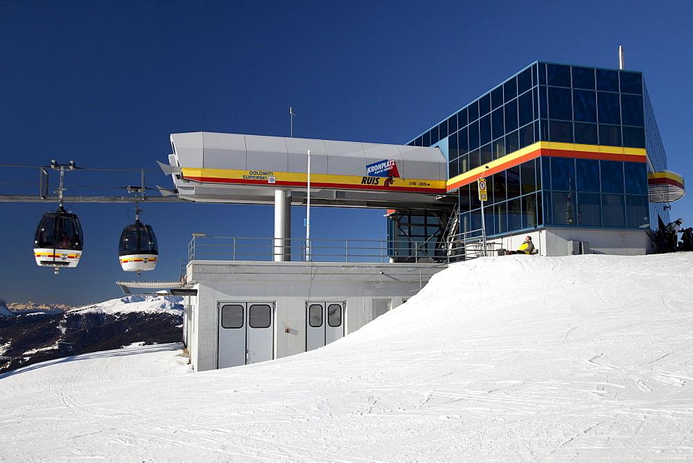 Ropeway, gondola lift, St. Vigil, mountaintop plateau on Kronplatz mountain, 2272 m, Kronplatz winter sport region, Bruneck, Puster Valley, Province of Bolzano-Bozen, Italy, Europe