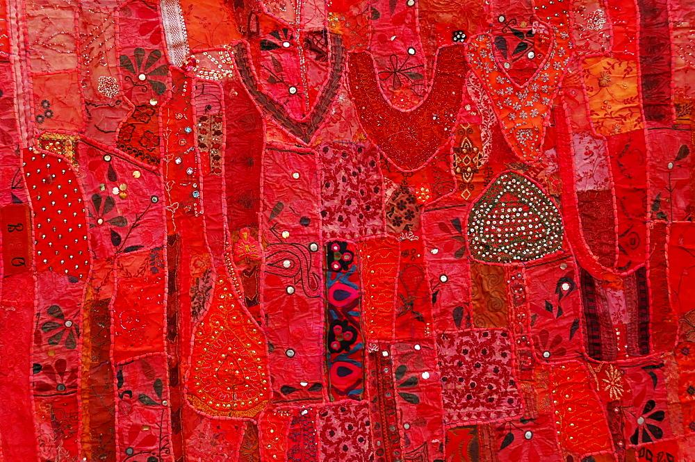 Tapestry, souvenir, street vending, old town, Jaipur, Rajasthan, northern India, Asia