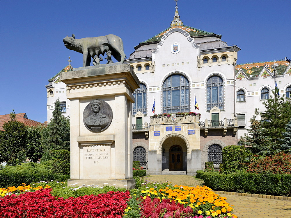 Art Nouveau Palace of Culture with statue of Romulus and Remus, Targu Mures, Mure& County, Transylvania, Romania, Europe