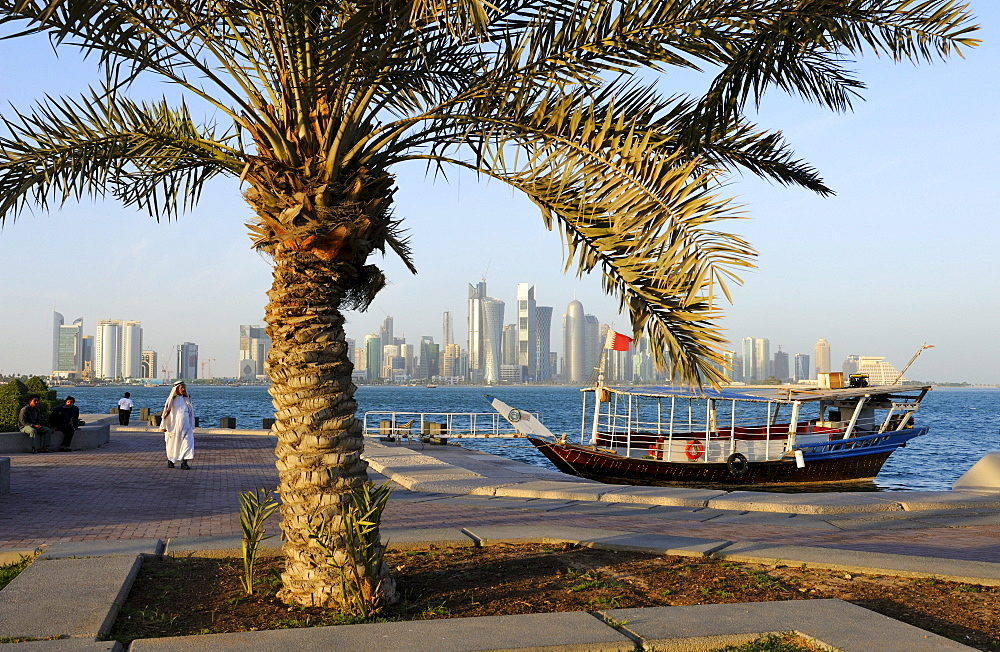 View from the Corniche to the skyline of Doha, West Bay District, Doha, Qatar, Arabian Peninsula, Persian Gulf, Middle East, Asia
