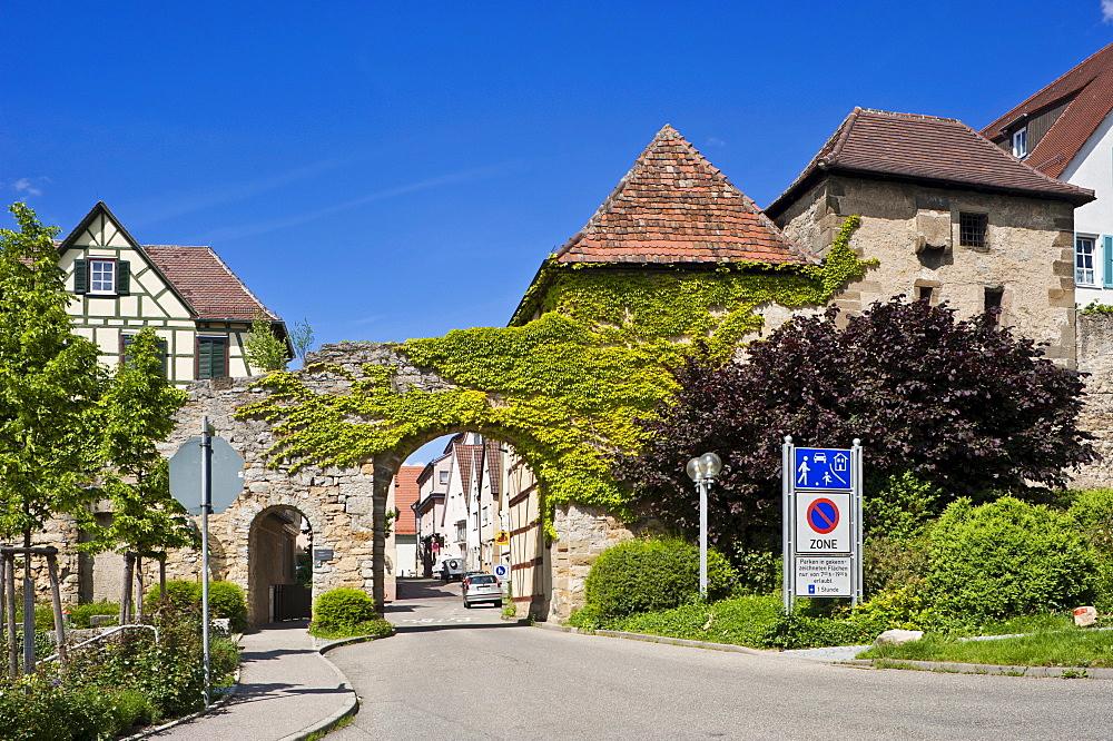 Former town wall with Grabentor gate and Diebsturm tower, Marbach am Neckar, Neckar valley, Baden-Wuerttemberg, Germany, Europe