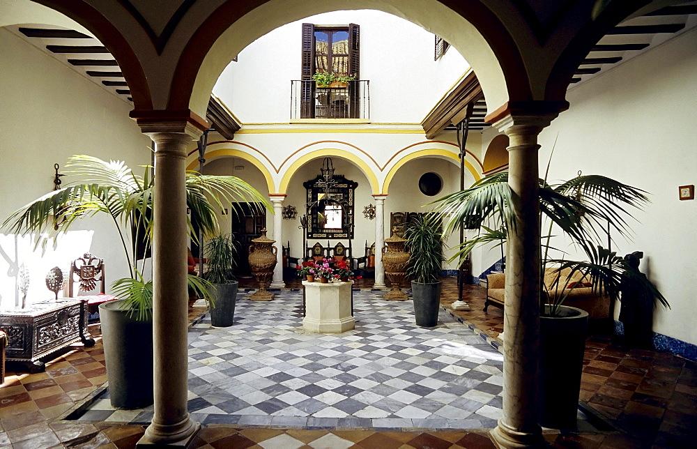 Romantic patio of a small hotel, Posada del Palacio, Sanlucar de Barrameda, Costa de la Luz, Andalusia, Spain, Europe