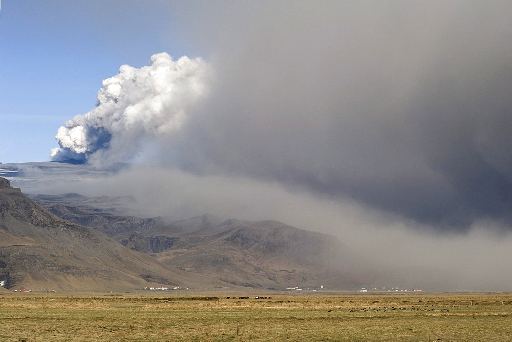 Eyjafjallajoekull volcano, ash cloud, South Iceland, Iceland, Europe