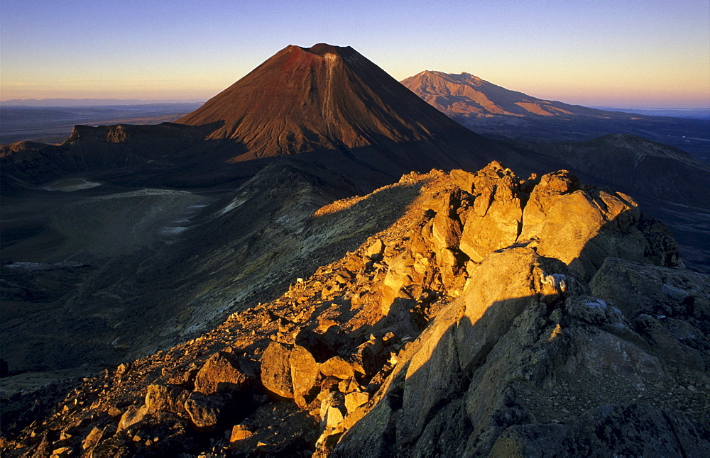 Mount Ngauruhoe and Mount Ruapehu, active volcanoes of the North Island of New Zealand, Tongariro National Park Ruapehu District, Manawatu-Wanganui, North Island, New Zealand