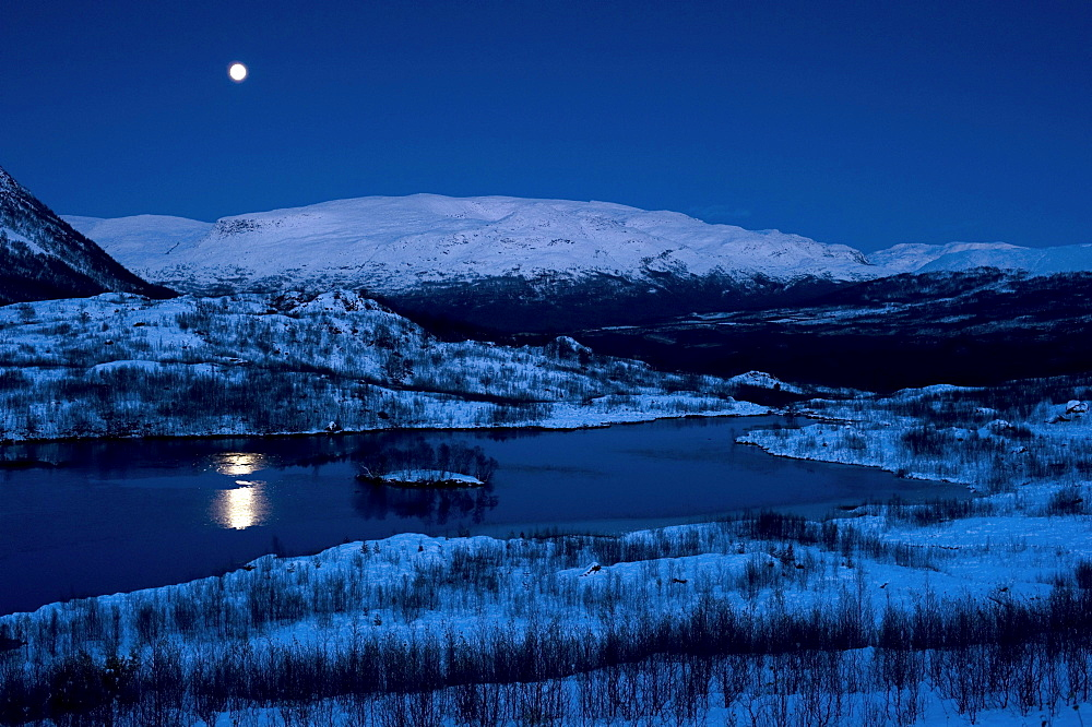Moonrise on the edge of the Finnmarksvidda, Finnmark, Norway, Europe