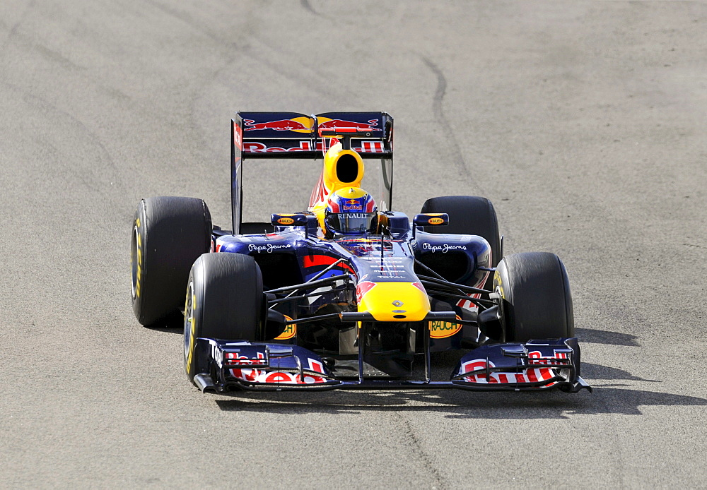 Mark Webber, AUS, driving the Red Bull RB7 during the Formula 1 test-drive at the Circuit Ricardo Tormo near Valencia, Spain, Europe