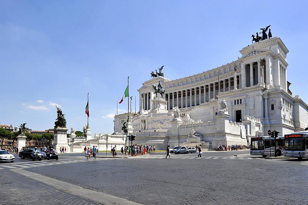 Italian National Monument to King Vittorio Emanuele II, Piazza Venezia, Rome, Lazio, Italy, Europe