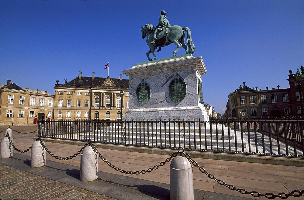 Frederik V monument in Palace Square in front of Amalienborg Slot, Amalienborg Palace, Copenhagen, Denmark, Europe