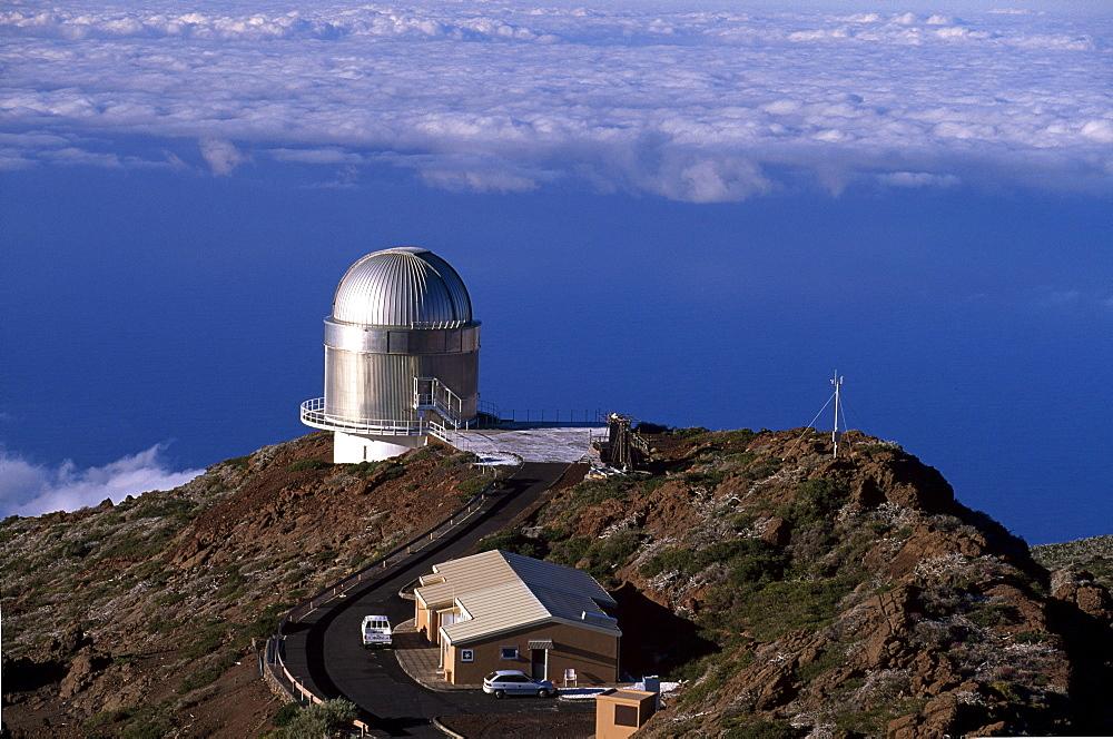 Observatory on the Roque de los Muchachos, Parque Nacional de la Caldera de Taburiente national park, La Palma, Canary Islands, Spain, Europe