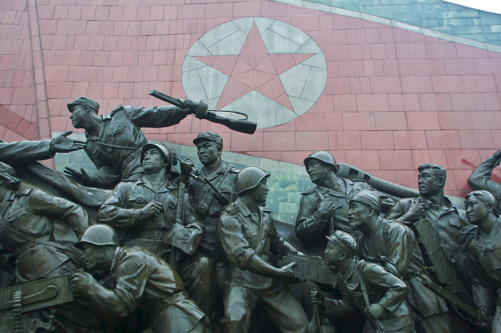 Kim Il Sung Monument on Mansu Hill, Pyongyang, North Korea, Asia