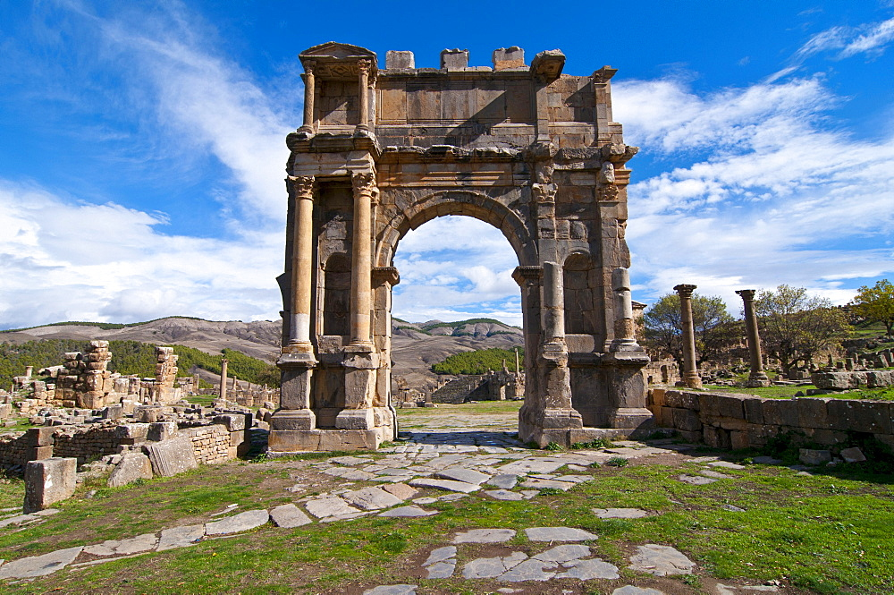 Triumphal Arch of Emperor Caracalla, The Roman ruins of Djemila, Unesco World Heritage Site, Kabylie, Algeria, Africa