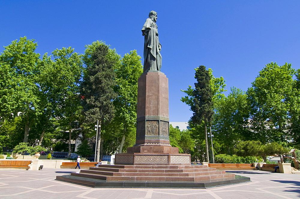 Statue of the poet Nez&mi, Baku, Azerbaijan, Caucasus, Middle East