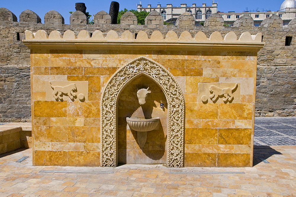 Fountain in the old town, UNESCO World Heritage Site, Baku, Azerbaijan, Caucasus, Middle East