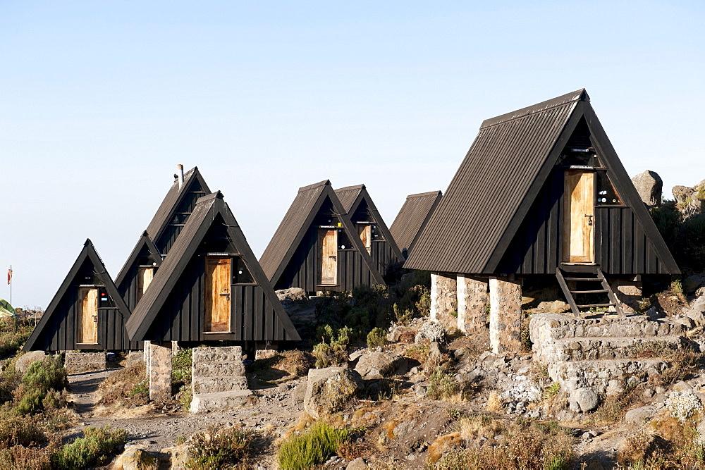 Trekking, Scandinavian-style wooden huts, Horombo Huts, Marangu Route, Mt. Kilimanjaro, Tanzania, East Africa, Africa