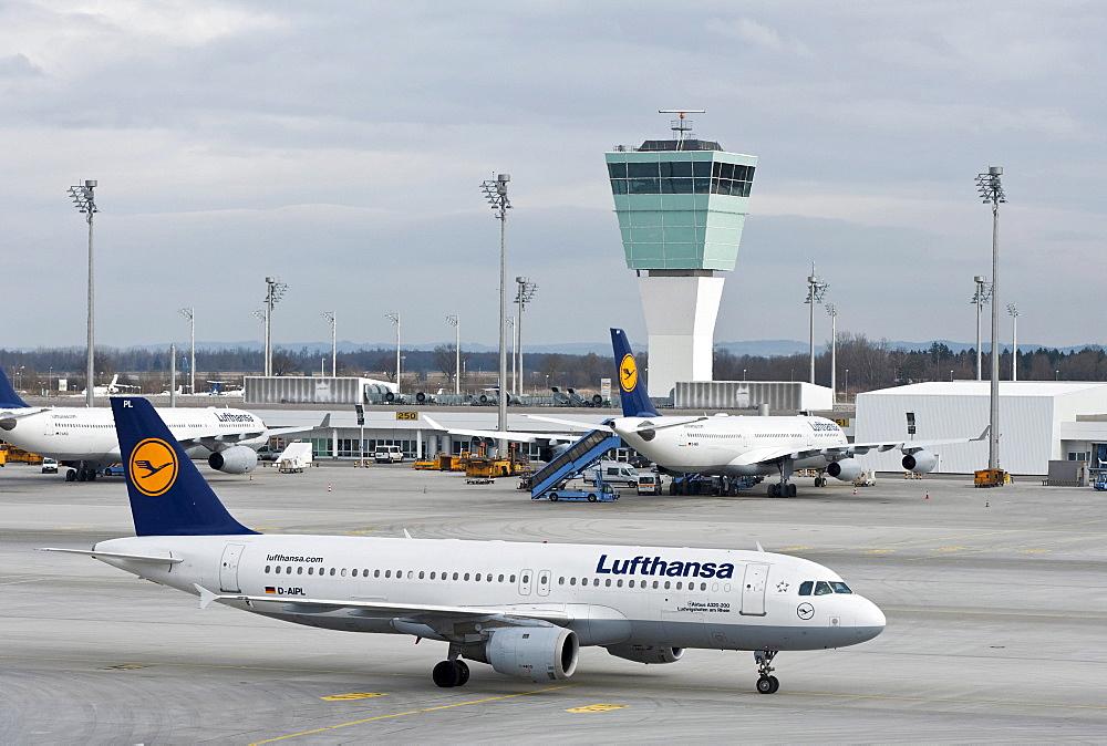 Lufthansa Airbus A320-200, Ludwigshafen am Rhein, at Munich Airport, Bavaria, Germany, Europe