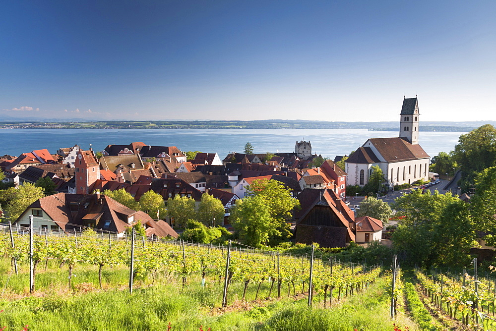 Historic town centre of Meersburg with the oldest inhabited castle in Germany and the Parish Church of the Visitation, Baden-Wuerttemberg, Germany, Europe