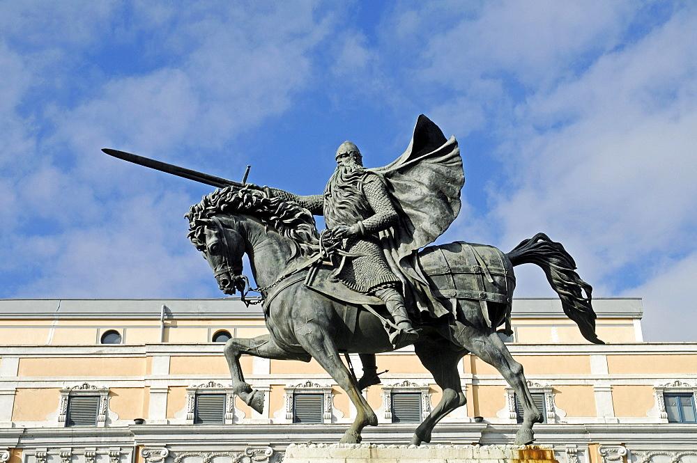 Equestrian statue of El Cid, a knight and national hero, Burgos, Castilla y Leon province, Spain, Europe