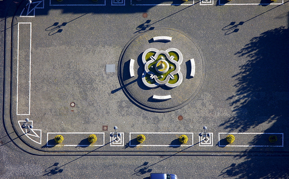 Aerial view, Town Hall, front yard with stone mosaic, a stone fountain and shadows, Bottrop, Ruhr Area, North Rhine-Westphalia, Germany, Europe