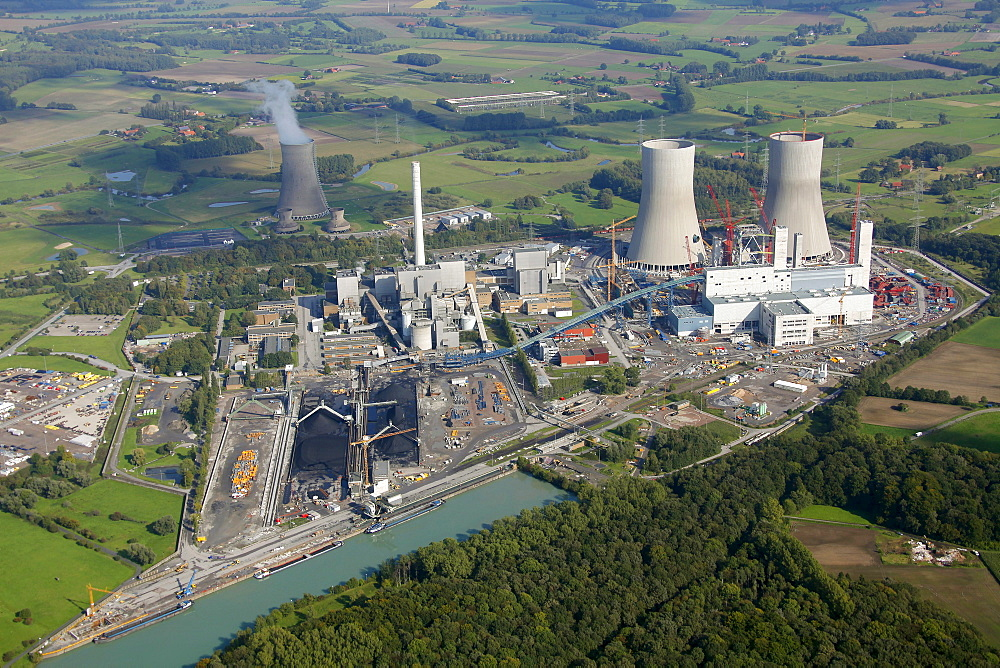 Aerial view, former THTR, thorium high-temperature nuclear reactor, a former nuclear power plant in Hamm-Uentrop, Uentrop, Westfalen power plant, coal power plant, construction and redevelopment, RWE Power, Hamm, Ruhr Area, North Rhine-Westphalia, Germany