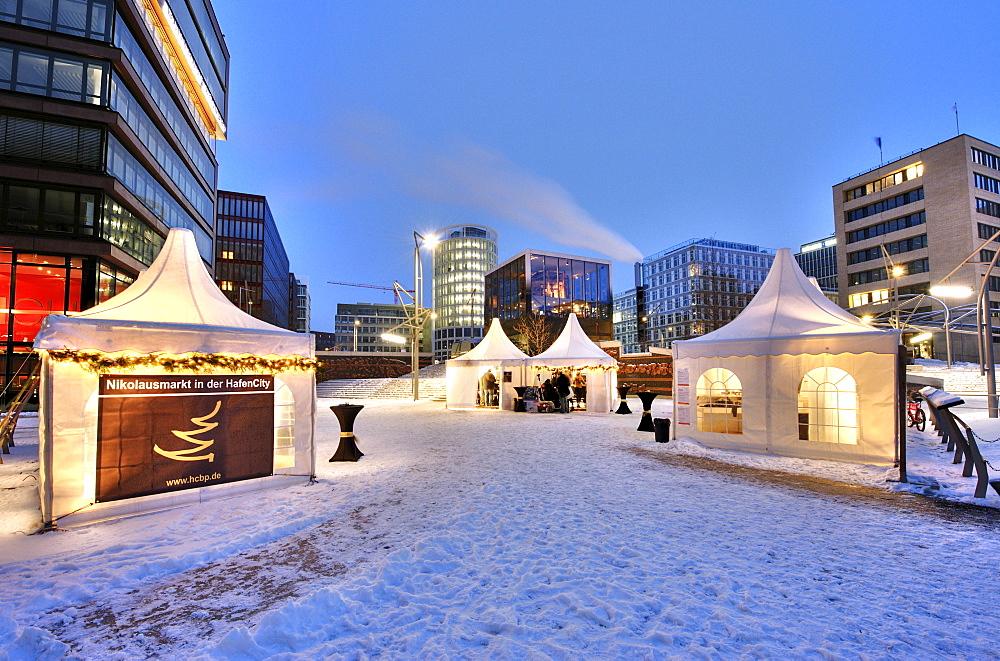 Christmas market on the Magellan-Terrassen terraces, Hafencity district, Hamburg, Germany, Europe