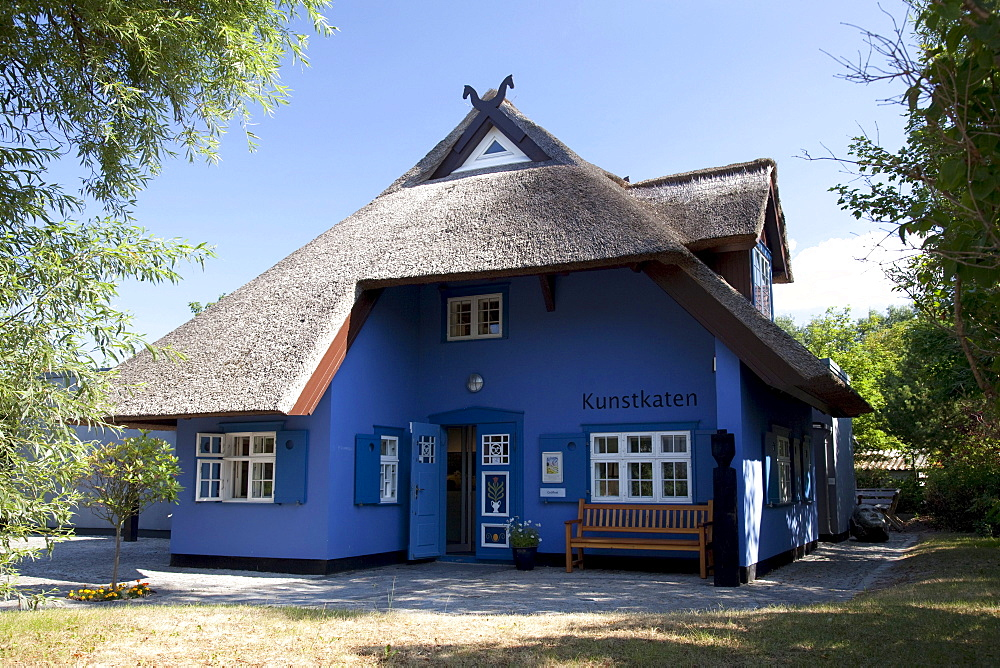 Kunstkaten art gallery, Baltic Sea resort town of Ahrenshoop, Fischland, Mecklenburg-Western Pomerania, Germany, Europe