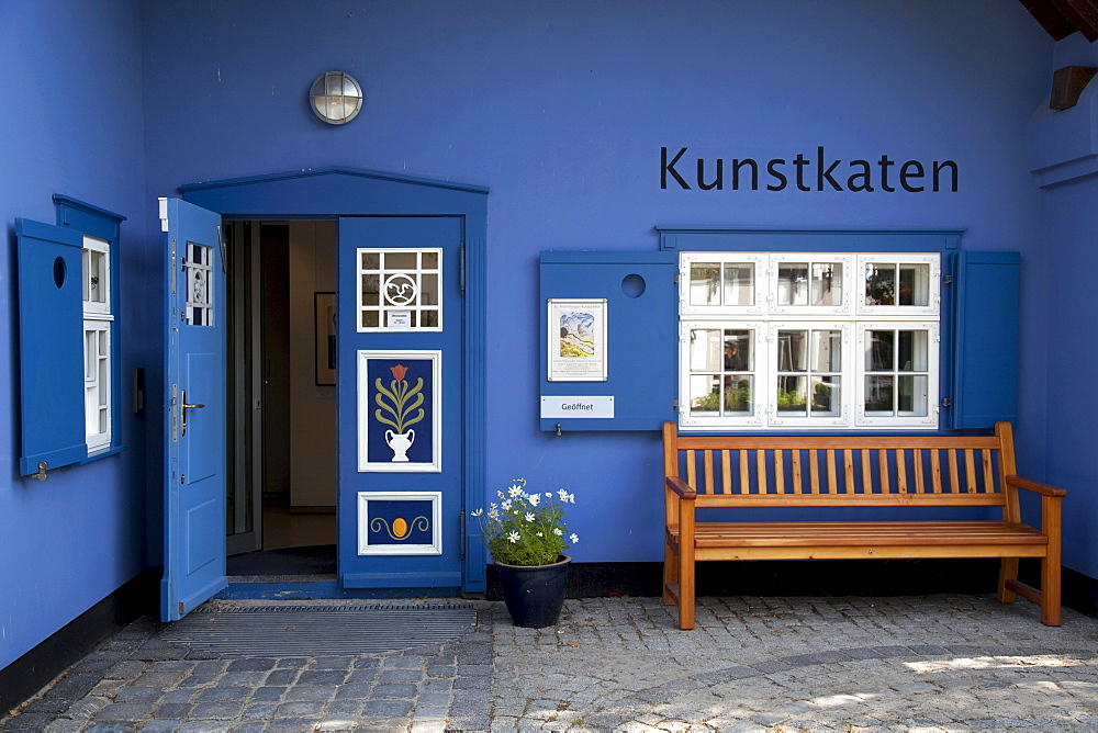 Kunstkaten art gallery, Baltic Sea resort town of Ahrenshoop, Fischland, Mecklenburg-Western Pomerania, Germany, Europe