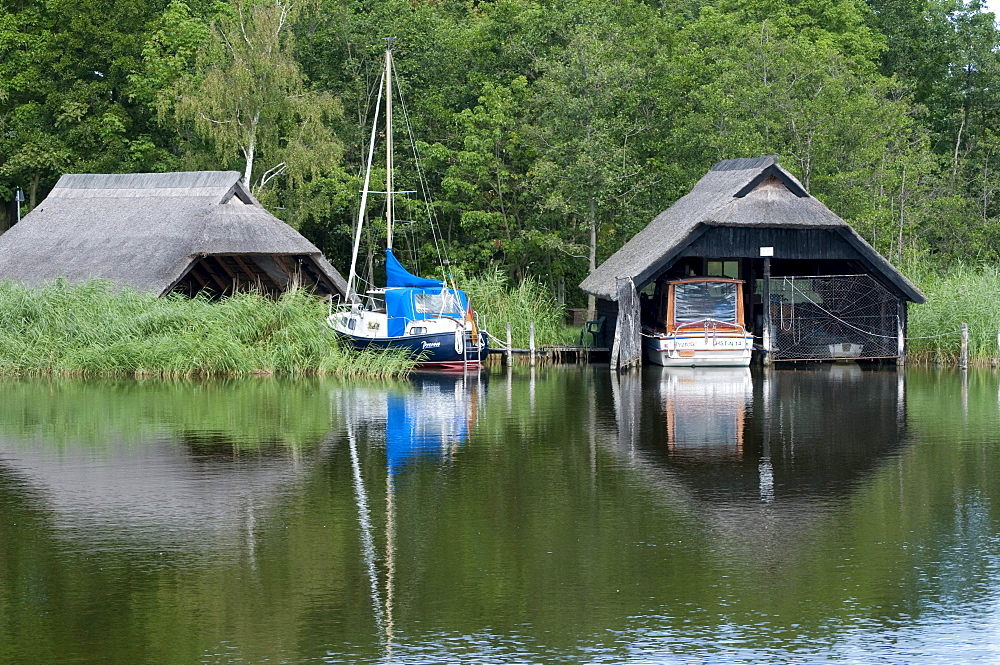 Boathouse on the Prerower Strom estuary, Fischland-Darss-Zingst peninsula, Mecklenburg-Western Pomerania, Germany, Europe