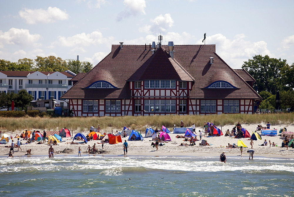Spa and beach, Baltic Sea spa of Zingst, Fischland Darss Zingst peninsula, Mecklenburg-Western Pomerania, Germany, Europe