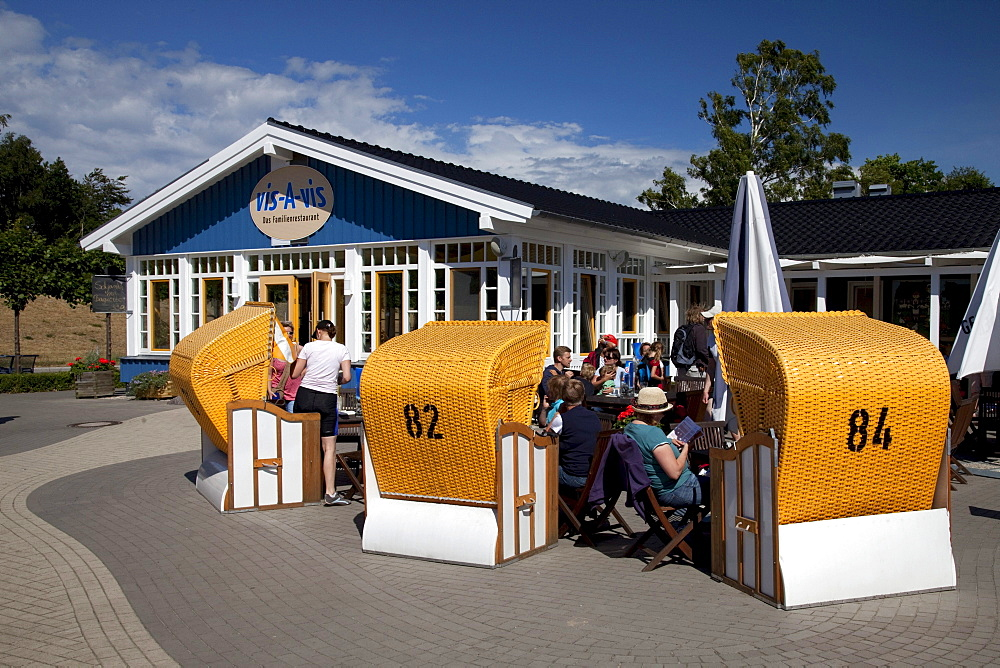 Vis-A-vis family restaurant, Baltic Sea spa of Zingst, Fischland Darss Zingst peninsula, Mecklenburg-Western Pomerania, Germany, Europe