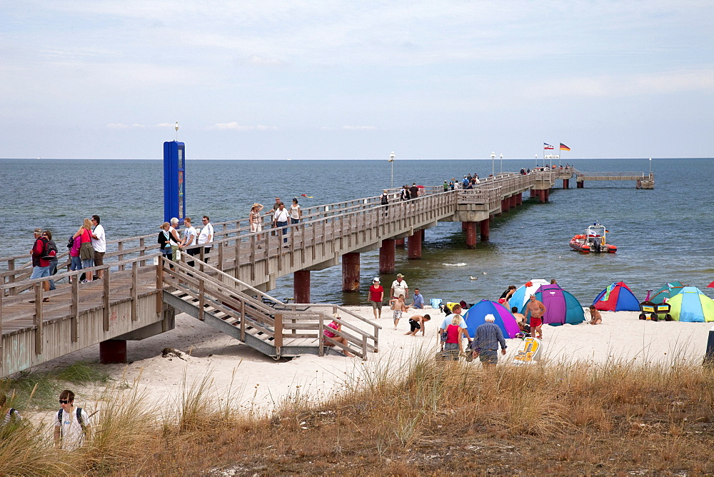 Pier in the Prerow Baltic resort, Fischland-Darss-Zingst peninsula, Mecklenburg-Western Pomerania, Germany, Europe