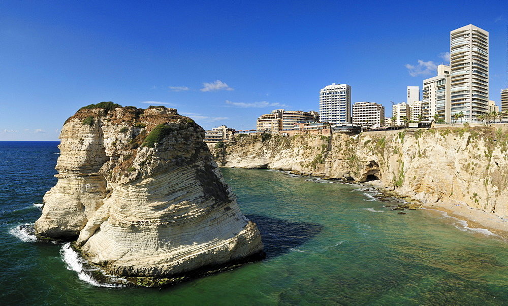 Rawsheh or Pigeon Rocks, Beirut, Beyrouth, Lebanon, Middle East, West Asia