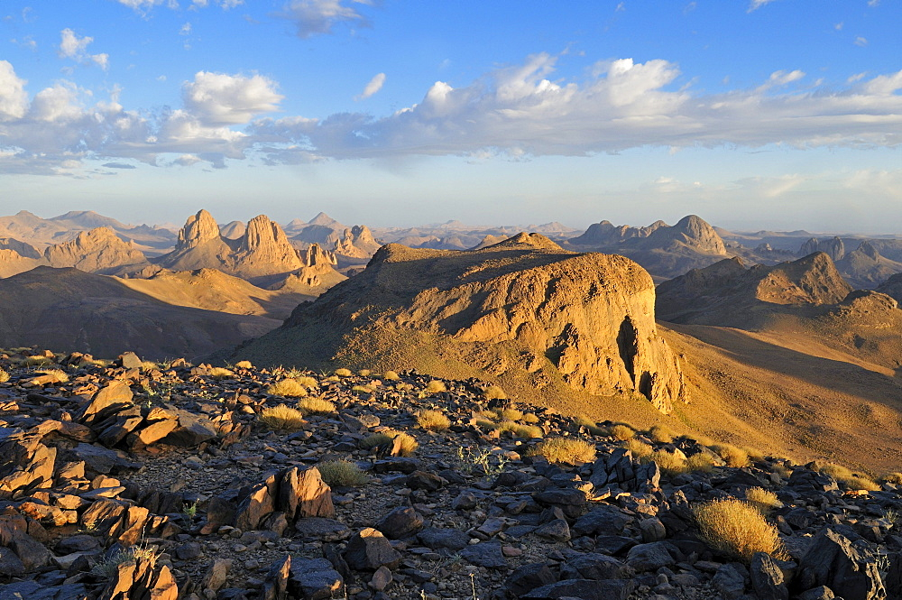 View from Assekrem over the volcanic landscape of Atakor, Hoggar, Ahaggar Mountains, Wilaya Tamanrasset, Algeria, Sahara, North Africa